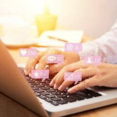 Obtenga más clientes potenciales con la imagen de la computadora portátil con contenido interactivo